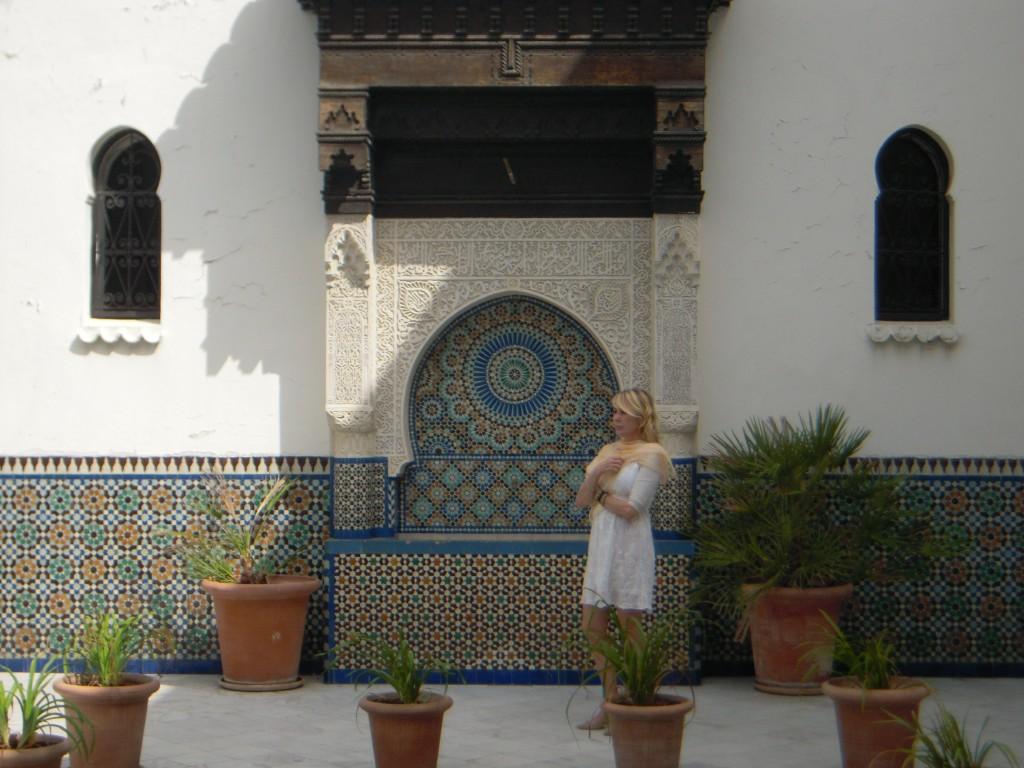 Antonella nel giardino Moschea di Parigi